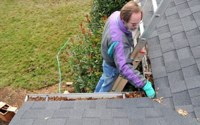 4 Tips For Cleaning Gutters Easily and Safely